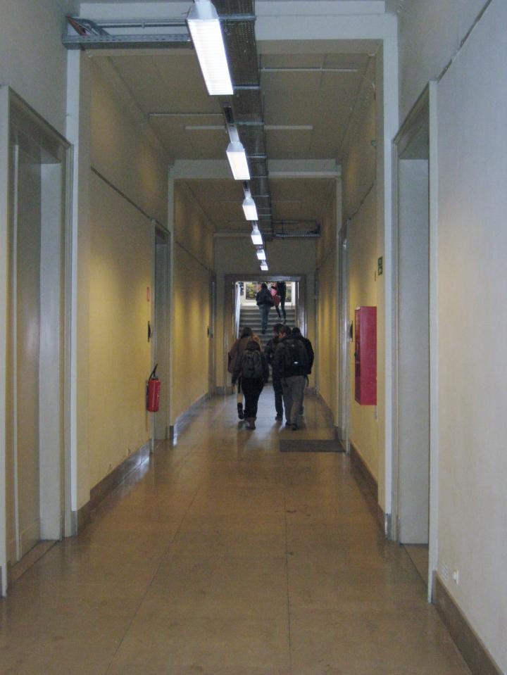De hoofdgang van de Academie