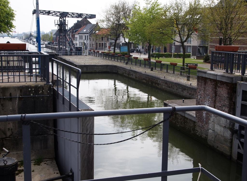 Klein-Willebroek, gezien vanaf de sluis.