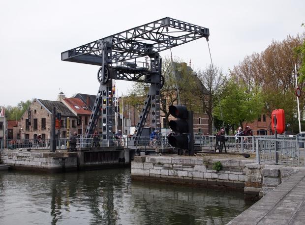Klein-Willebroek, de brug en het Veerhuis.