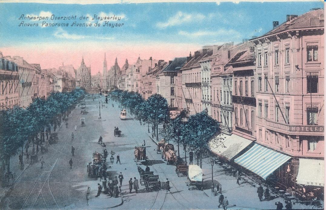 De De Keyserlei, gezien van het Centraal Station (a).